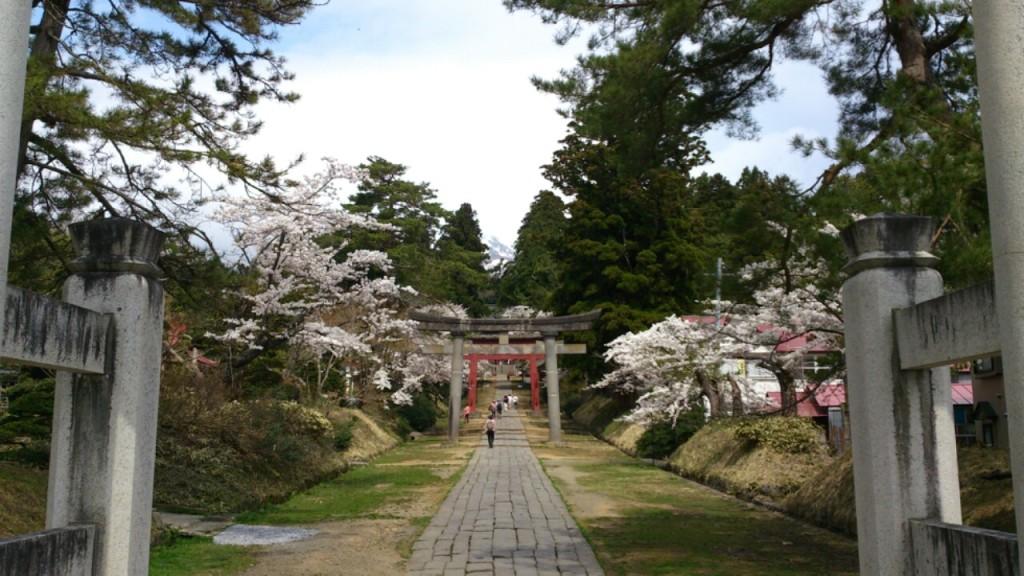 五月の岩木山神社 DAIROKU
